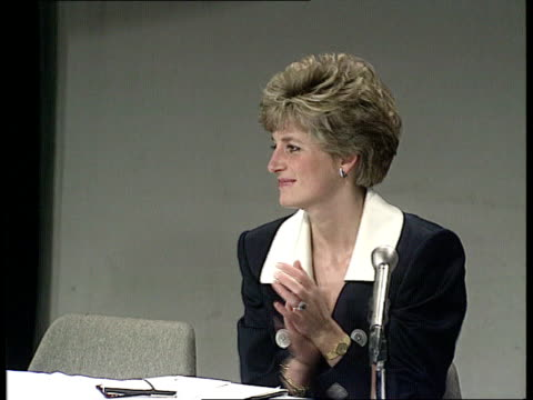 aids conference naf diana princess of wales chatting young people seq young people reading speeches sof ms diana applauding sof cms natalie carver... - kenneth clarke stock-videos und b-roll-filmmaterial