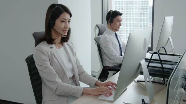 confident business people working in office,4k - hemd und krawatte stock-videos und b-roll-filmmaterial