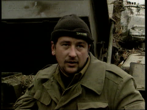 conflict: chechnya: dispute with russia; russian federation: conflict: chechnya: dispute with russia; grozny cms capt andre krukov, russian tank... - grosny stock-videos und b-roll-filmmaterial