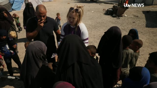 daughter of islamic state victim david haines seeks to recover her father's remains syria cityscapes bethany haines interview refugee camp bethany... - siria video stock e b–roll