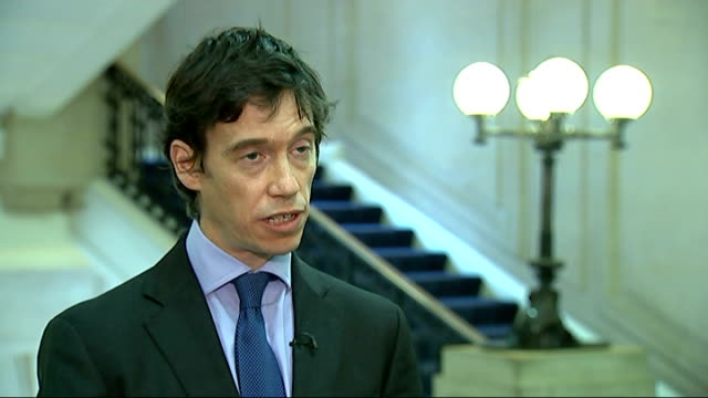 vídeos y material grabado en eventos de stock de isis rebels claim to have captured tal afar england london millbank int rory stewart mp interview sot people will talk about diplomatic solutions... - isis