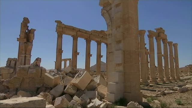 stockvideo's en b-roll-footage met palmyra recaptured by islamic state forces t01041605 / tx syria palmyra ext various shots ancient ruins - isis