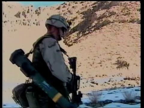 vídeos y material grabado en eventos de stock de conflict peacekeeping mission us threatens to pull out lib bosniaherzegovina tuzla us nato troops on patrol duty - snow patrol