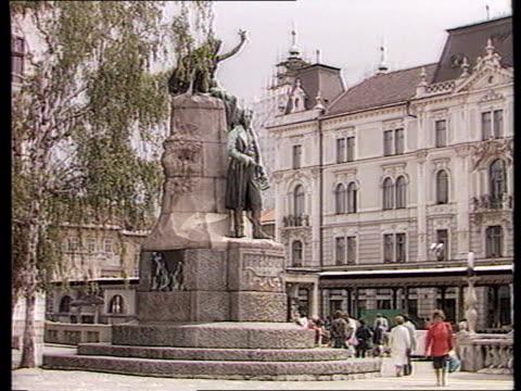 conflict: sarajevo: mortar attack/ec sanctions; bosnia and herzegovina: conflict: sarajevo: mortar attack/ec sanctions; yugoslavia: serbia: belgrade... - bosnia and hercegovina stock videos & royalty-free footage