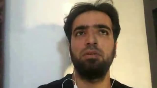 Syrian government forces bombard rebel fighters in Deraa SYRIA Near Deraa Tafas INT Abdelrahman Kewan interview via Internet SOT The displaced are...
