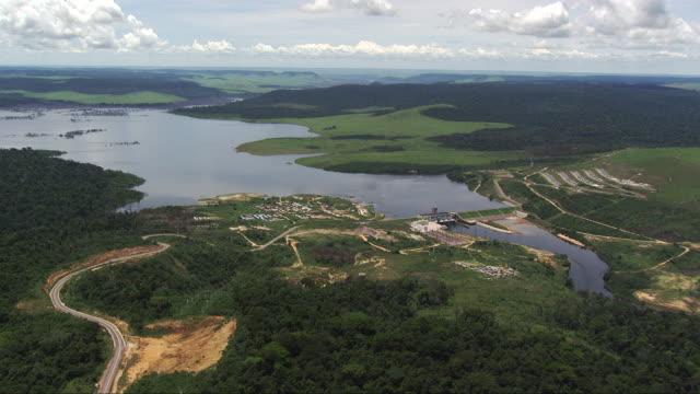 vídeos de stock e filmes b-roll de congo: imboulo hydroelectric dam - barragem estrutura feita pelo homem