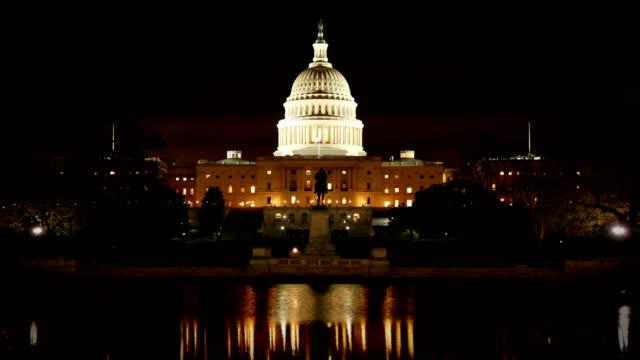vidéos et rushes de congrès dans la nuit-time-lapse - le capitole