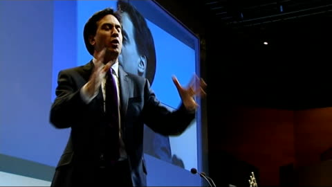ed miliband speech; more miliband speech cutaways with tuc backdrop / miliband seen in camera monitor - 労働組合会議点の映像素材/bロール