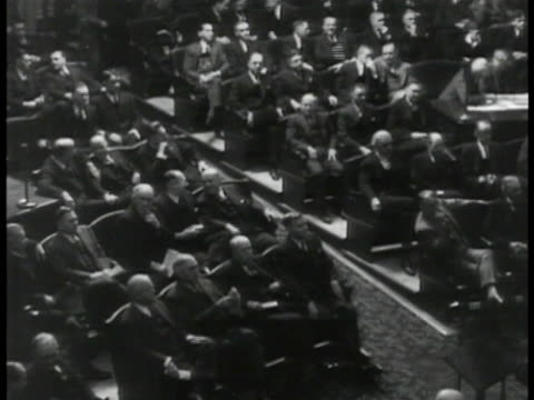 stockvideo's en b-roll-footage met congressmen seated in session. - 1935