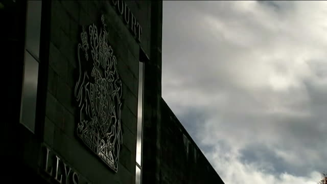 conman accused of faking coma to avoid trial jailed swansea swansea crown court crown court crest on wall crowd court crest pull focus leaves on tree... - gefängnisausbruch stock-videos und b-roll-filmmaterial