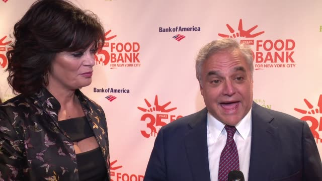 vídeos de stock, filmes e b-roll de interview connie verducci lee brian schrager on being honored this evening at 2018 food bank for new york city's can do awards dinner at cipriani... - distrito financeiro de manhattan
