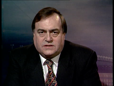 hull john prescott mp intvw chaos and confusion in govt on what its attitude is on single currency westminster ext night pym i/c sign off - キングストンアポンハル点の映像素材/bロール