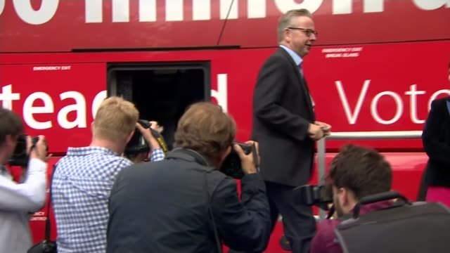 boris johnson pulls out of race t01061612 lancashire preston ext michael gove mp boris johnson mp and priti patel mp disembarking vote leave campaign... - michael gove stock-videos und b-roll-filmmaterial