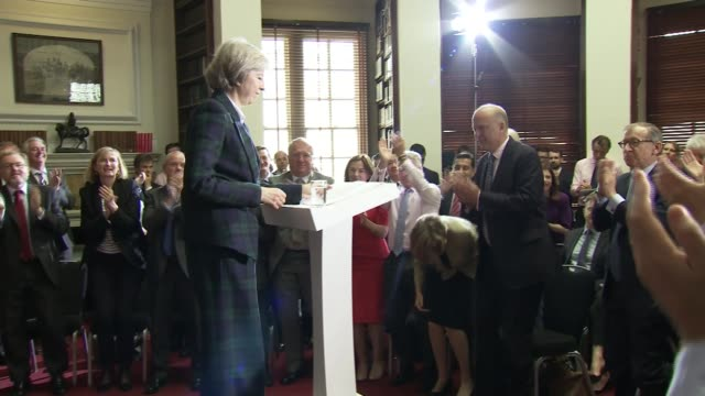 stockvideo's en b-roll-footage met michael gove launches his bid 3062016 london int theresa may mp to podium at press conference announcing she will stand for tory leadership/ - bod