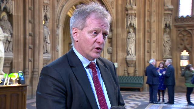 "vídeos y material grabado en eventos de stock de conservative mp phillip lee saying mp's need to ask themselves if a no-deal brexit is ""acceptable"" for the uk, and that he and ""many other"" mp's... - mp"