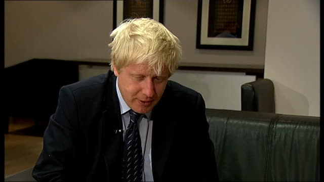 conservative party conference 2011: boris johnson speech; johnson interview sot - on being david cameron's heir apparent - nonsense, lets knock this... - ニナ・ホサイン点の映像素材/bロール