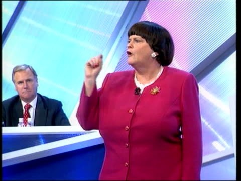 vídeos de stock e filmes b-roll de conservative party conference: ann widdecombe on drugs; c) en: bongs england: dorset: bournemouth: int ann widdecombe mp speaking at tory conference... - partido conservador britânico