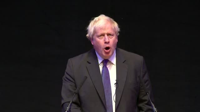 Boris Johnson gives fringe speech criticising Theresa May's Chequers plan ENGLAND West Midlands Birmingham Boris Johnson along on stage to podium...