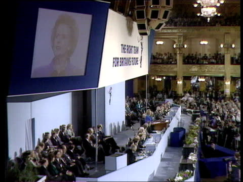 day 4 thatcher speech pool england blackpool empress ballroom photography*** prime minister margaret thatcher along onto stage keynote speech... - audience stock videos & royalty-free footage