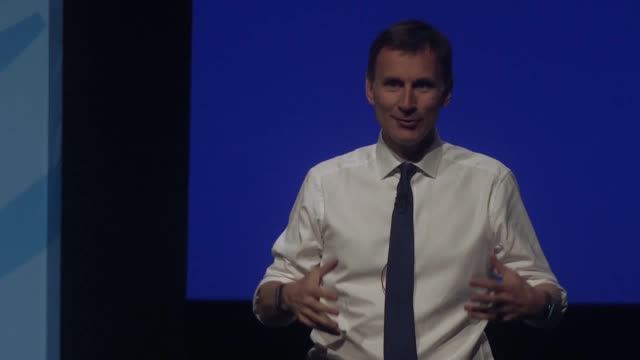 conservative party leadership candidate jeremy hunt speaks during the first party hustings at the icc in birmingham he said he was the person to go... - 政治家 ジェレミー ハント点の映像素材/bロール