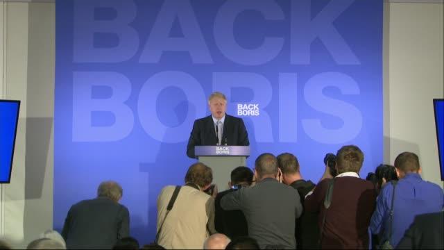 vídeos de stock e filmes b-roll de conservative party leadership contest: boris johnson states brexit can't be delayed at campaign launch; england: london: int stanley johnson inside... - partido conservador britânico