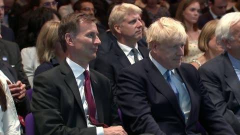 vídeos y material grabado en eventos de stock de conservative party leadership contest: boris johnson wins battle to become tory leader and prime minister; uk, london, westminster, qeii;... - concursante