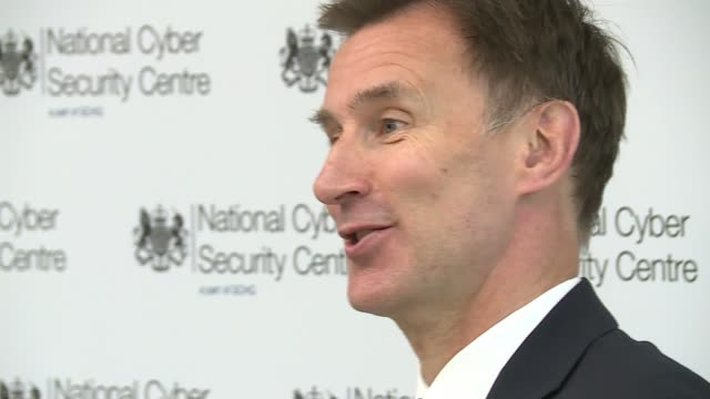 clamour to replace theresa may intensifies as jeremy hunt declares bid england london national cyber security centre int jeremy hunt mp talking at... - 政治家 ジェレミー ハント点の映像素材/bロール