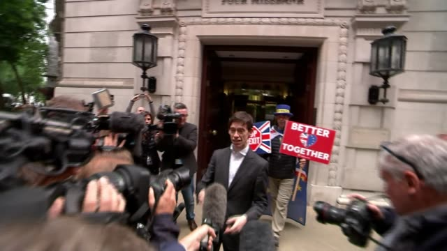 stockvideo's en b-roll-footage met five candidates battling it out for the top job england london millbank studios ext rory stewart mp facing press with man behind stewart holding... - itv lunchtime news