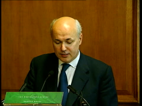 conservative party leadership contest speeches iain duncan smith along to podium for press conference iain duncan smith speaking at podium iain... - michael portillo stock videos & royalty-free footage