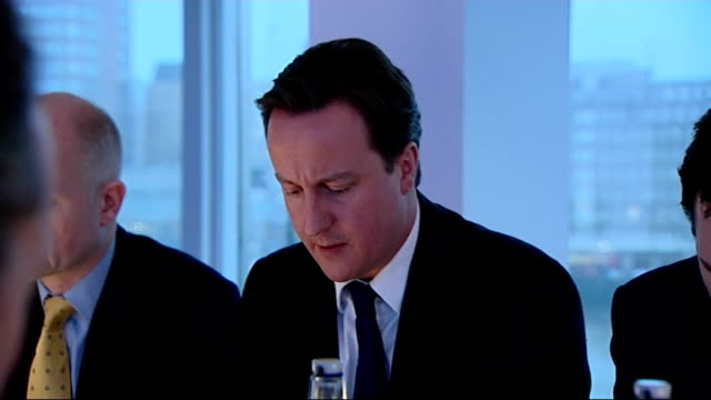 stockvideo's en b-roll-footage met conservative party shadow cabinet meeting england london int general views of a conservative party shadow cabinet meeting including david cameron mp... - william hague