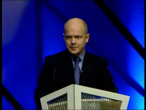 conservative party spring conference: william hague speech; d)18.30: john ray itn england: yorkshire: harrogate: int gv william hague mp along to... - 王立鋳貨局点の映像素材/bロール