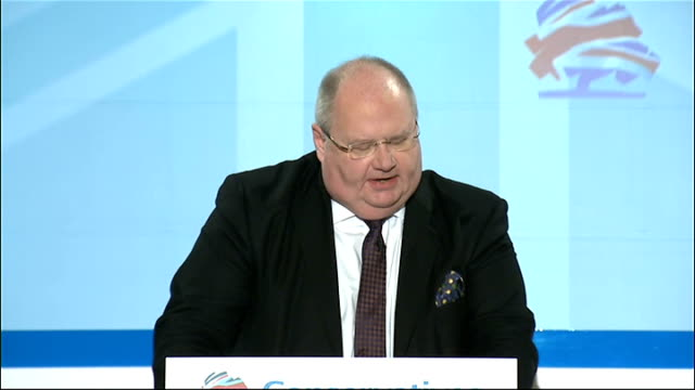 stockvideo's en b-roll-footage met eric pickles speech england london connaught rooms int eric pickles mp walks onto stage / speech sot labour knew how to trash the economy they... - quarter