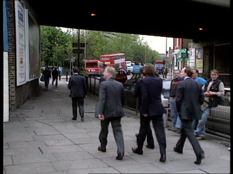 conservatives attack labour spending plans; england london elephant & castle labour's going for broke again' conservative campaign poster on hoarding... - roy castle点の映像素材/bロール
