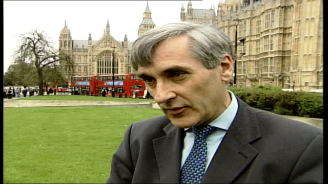 cameron's green policies / labour chameleon jibe london westminster john redwood mp interview sot i'm keen to have greener vehicles and use them more... - キャシー・ニューマン点の映像素材/bロール