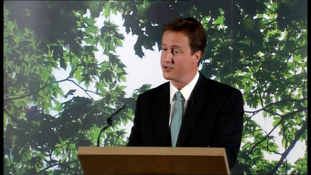 vídeos de stock, filmes e b-roll de david cameron 'anarchy in the uk' speech: part 2; england: lancashire: darwen: int * * beware flash photography * * david cameron mp at podium... - decretar