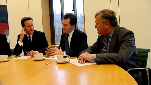 stockvideo's en b-roll-footage met kenneth clarke appointed shadow business secretary int william hague mp david cameron mp george osborne mp and ken clarke at shadow cabinet meeting... - william hague