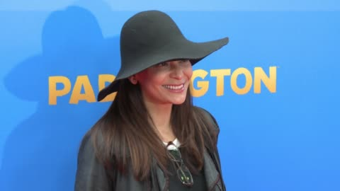 constance marie at 'paddington' los angeles premiere at arclight cinemas cinerama dome on january 10, 2015 in hollywood, california. - cinerama dome hollywood stock-videos und b-roll-filmmaterial