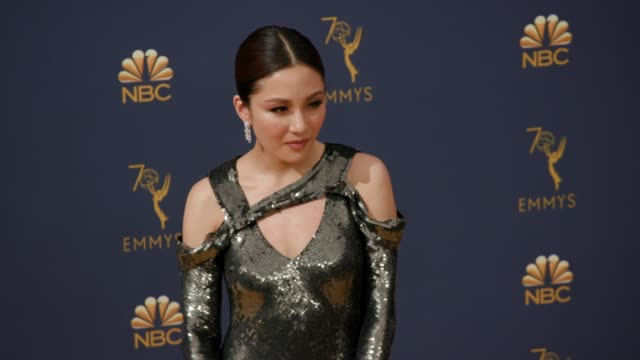 vídeos de stock, filmes e b-roll de constance wu at the 70th emmy awards arrivals at microsoft theater on september 17 2018 in los angeles california - 70th annual primetime emmy awards