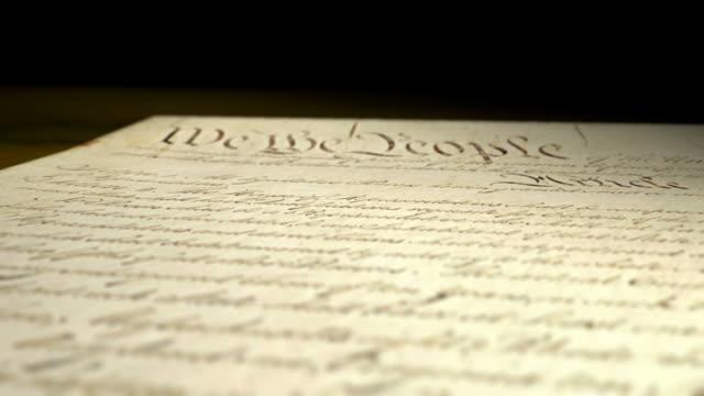 vídeos de stock e filmes b-roll de constituição americana multi-vista 2 - benjamin franklin