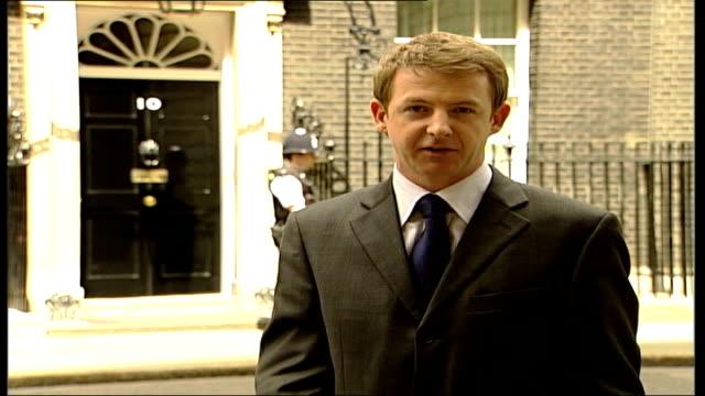 tony blair backs signing; itn england: london: downing street: ext i/c - politik und regierung stock-videos und b-roll-filmmaterial