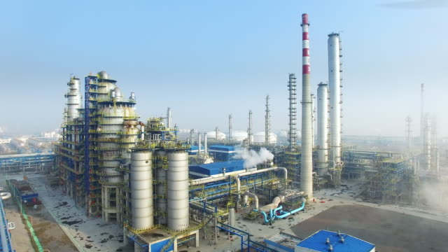 construction and equipment in modern refinery - oil refinery stock videos & royalty-free footage