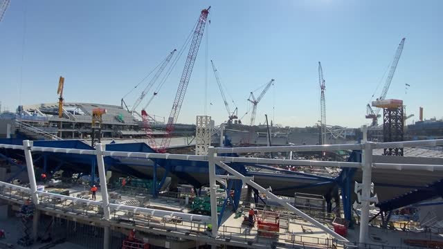 construction continues at the sydney football stadium redevelopment at moore park on 29th april, 2021 in sydney, australia. the 42,500 seat stadium... - crane construction machinery stock videos & royalty-free footage