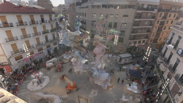 Construction of Falla Monument in Valencia - Time lapse