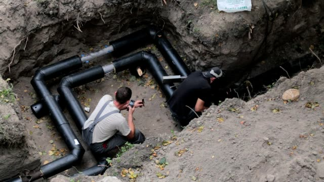 Construction of the pipeline.