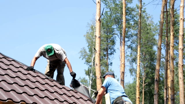 Construction of the roof.