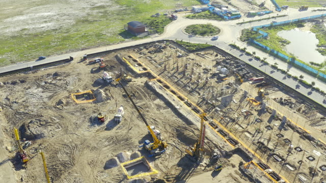 construction on the go - crane construction machinery stock videos & royalty-free footage