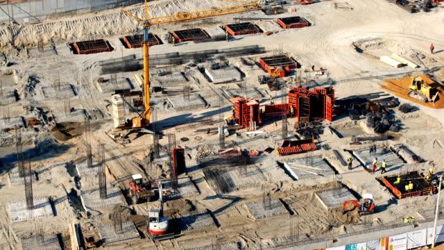 vídeos de stock e filmes b-roll de construction site 4k timelapse. - engenheiro civil