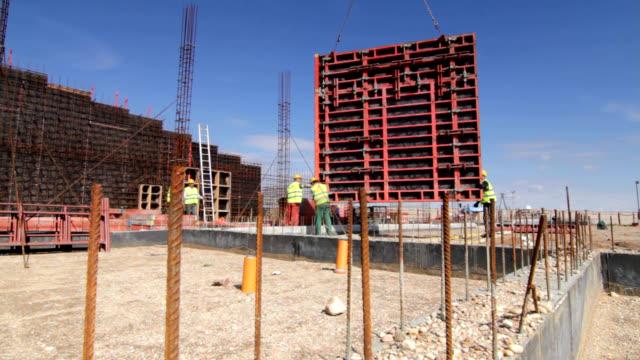 vidéos et rushes de construction site - béton