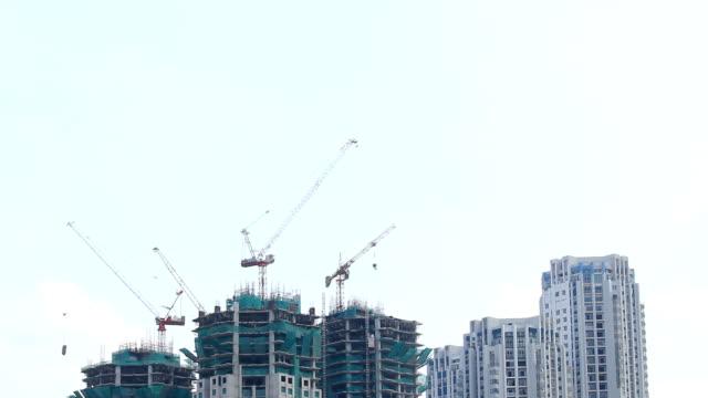 建設現場にクレーンビルビュー、Time lapse (低速度撮影)