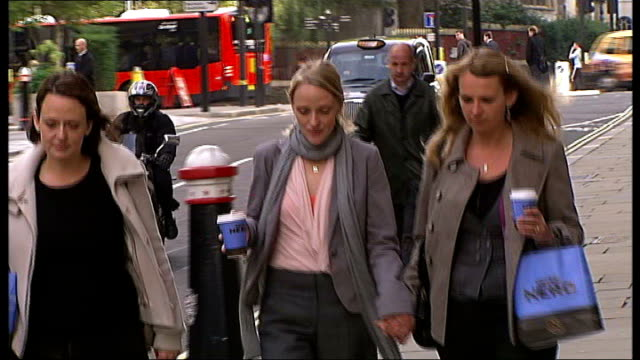 Consultant physician who tried to poison pregnant lover found guilty ENGLAND London Old Bailey PHOTOGRAPHY * * Edward Erin along towards Old Bailey...